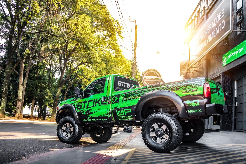 F250 - verde adesivada - camionete sorteada official truck