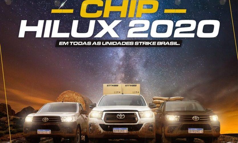 capa com 3 hilux lado a lado escrito chip de hilux no topo