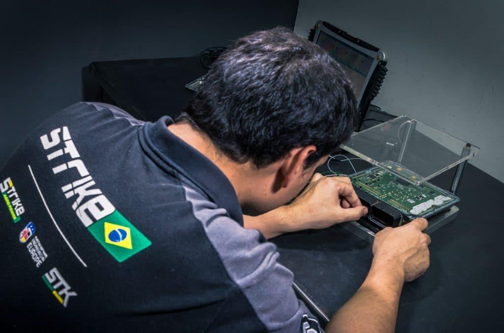 Reprogramação de injeção eletrônica